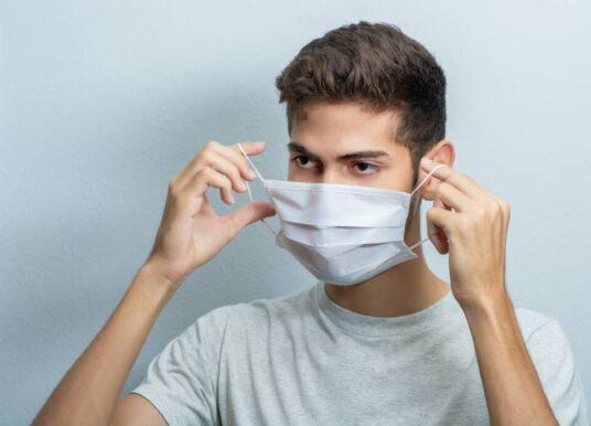 """Εισήγηση επιτροπής ΕΟΔΥ για """"Διάλειμμα μάσκας"""": Με απόφαση του εκπαιδευτικού της τάξης"""